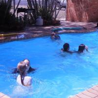 Hotel Pictures: Moore Park Beach Motel, North Coast