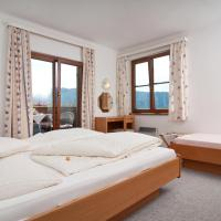 Comfort One-Bedroom Apartment with Lake View