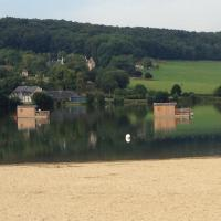 Hotel Pictures: La Cabane sur l'Eau, Pont-l'Évêque