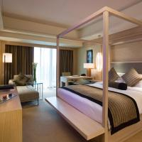 Luxury King Room with Beach View