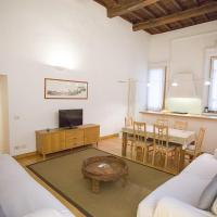 Three-Bedroom Apartment - 39 Via dei Banchi Nuovi