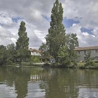 Hotel Pictures: Logis Auberge De La Riviere, Velluire