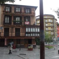 Hotel Pictures: Pensión Zinkoenea, Hernani