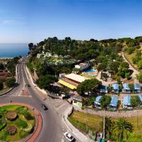 Hotel Pictures: Camping Bungalows El Far, Calella