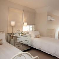 Twin Dormer Room