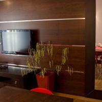 Deluxe Two-Bedroom Apartment