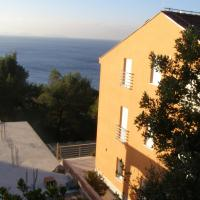 One-Bedroom Apartment with Sea View (2 Adults + 2 Children)
