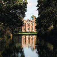 Hotel Pictures: De Vere Venues Warbrook House, Eversley