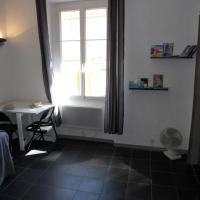 One-Bedroom Apartment - 29 rue Droite