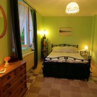 Hotel Pictures: Domaine de Passiflore, Dyo