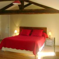 Hotel Pictures: Chambres d'Hôtes Le Tilleul, Saint-Hilaire-des-Loges