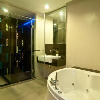 Penthouse Suite A