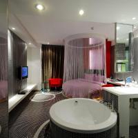 Romantic Round Bed Room