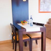One-Bedroom Apartment (2-3)