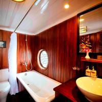 Private 4 Cabin Legend Cruise - 3 Days 2 Nights