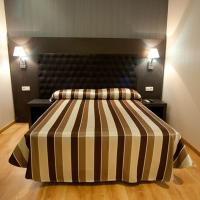 Double Room with Shared Bathroom and Extra Bed