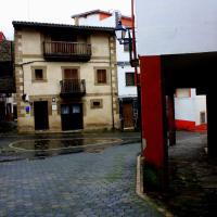 Hotel Pictures: La Boticaria Casa Rural Apartamento, Descargamaría