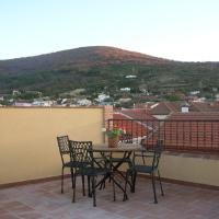 Hotel Pictures: Casa Rural Cristina I, San Pablo de los Montes
