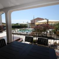 Comfort Two-Bedroom Apartment with Pool View