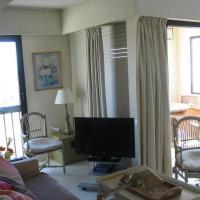 Two-Bedroom Apartment - 27/29 boulevard de la Ferrage
