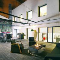 Three-Bedroom Apartment with Terrace - Conde Montornes 30