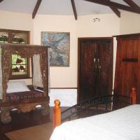 Balinese Bungalow with Spa Bath