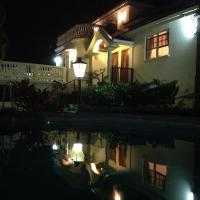 Hotel Pictures: Palm Paradise Guest House and Apartments, Saint James