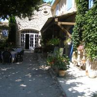 Hotel Pictures: L'Oustau de Mistral, Eyragues