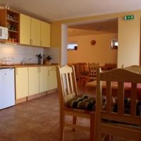 Hotel Pictures: Penzion U Dvou lip, Drnholec