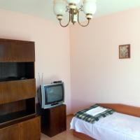 Twin Room with Shared Bathroom - 12 Baba Zara Str