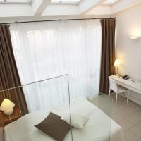 Standard Single Room with Balcony and Garden View