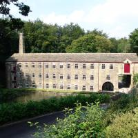 Hotel Pictures: Hewenden Mill Apartments, Haworth