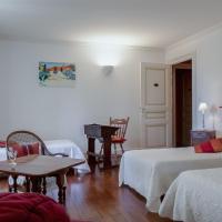 Hotel Pictures: Chambres au château - Le Clos Des Tourelles, Sennecey-le-Grand
