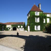 Hotel Pictures: Logis de Guitres - Chambres d'Hotes, Chassors
