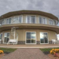 Hotel Pictures: Around the Sea Rotating House, Suites & Tours, North Rustico