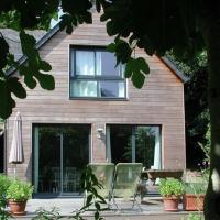 Hotel Pictures: Un Jardin en Pente Douce, Locquénolé