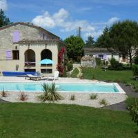 Hotel Pictures: Plaine de Rouges, Flaugnac