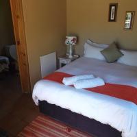 Queen Room with Ensuite Bathroom