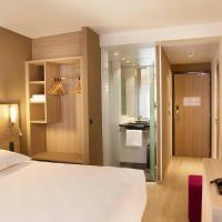 Hotel Pictures: Escale Oceania Quimper Centre, Quimper