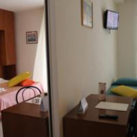 Two Connecting Double Rooms with Kitchenette
