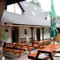 Hotel Pictures: Penzion U Dvojice, Nové Město na Moravě