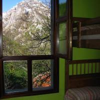 Hotel Pictures: Albergue Peña Castil, Sotres