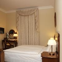 Standard Double Room - Castle