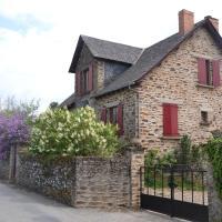 Hotel Pictures: Chambre d'Hôtes Les Lilas, Sauveterre-de-Rouergue
