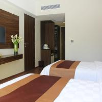 Super Deluxe Twin Room with Pool Access