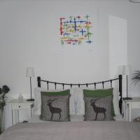Hotel Pictures: Abbey Cottage B&B Prestwick Airport, Prestwick