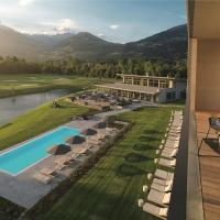 Hotel Pictures: Dolomitengolf Suites, Lavant