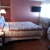 Queen Room with One Twin Bed