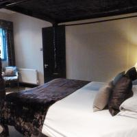 Club Double Room with Four Poster Bed