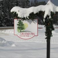 Hotel Pictures: Grand Pine B&B, Shawville
